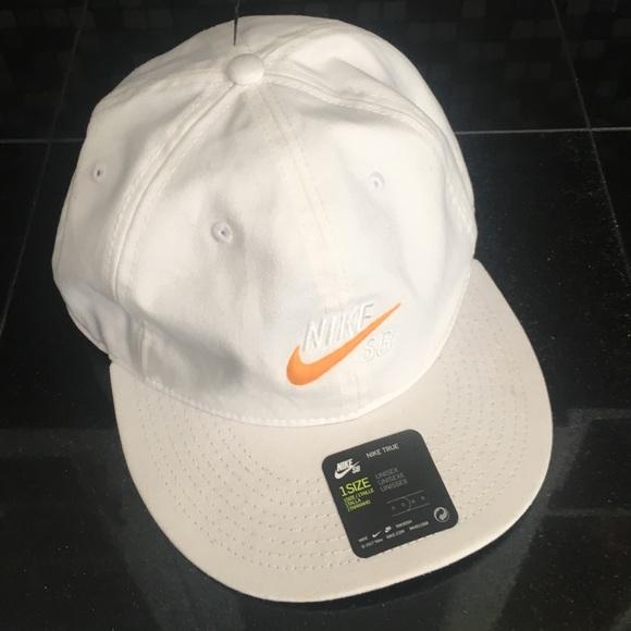 NWT Nike SB Baseball Cap e2047adaea9